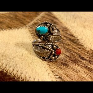 Jewelry - Vintage Turquoise + Red Stone Wrap Around Ring